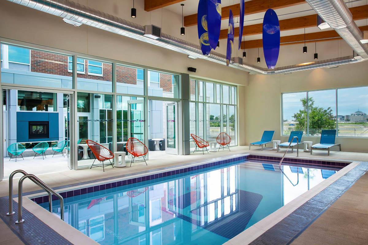 thesyracuseinnerharbor-stay-aloft-hotels-swimming-pool